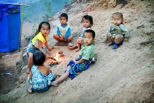 hmong-children-fire