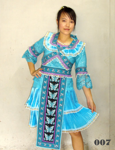 Pink Hmong costumes and Hmong fashion clothes